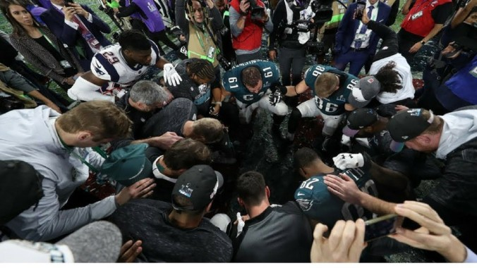 eagles pray